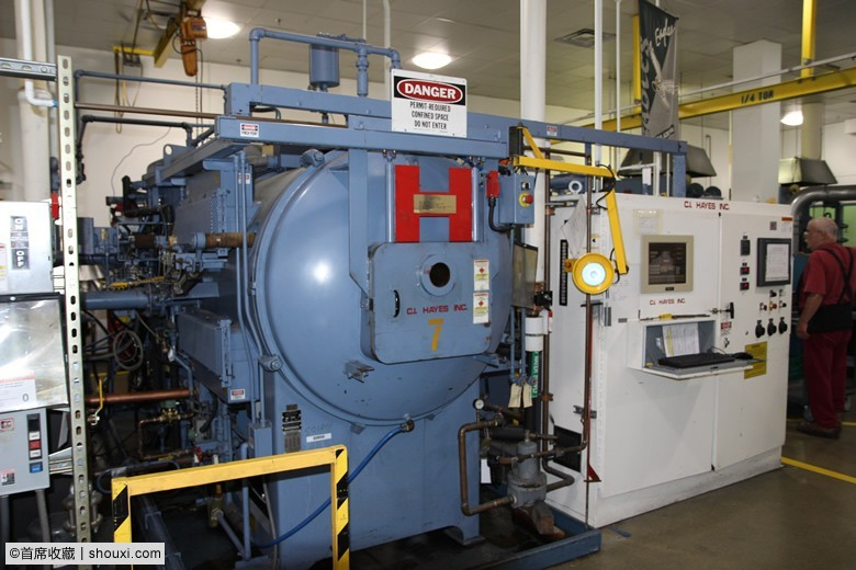 Oil-quench-Vacuum-Hardening-Furnace-at-Philadelphia-Mint.jpg